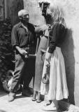 Picasso-with-Lady-with-key-sculpture-and-Sylvette